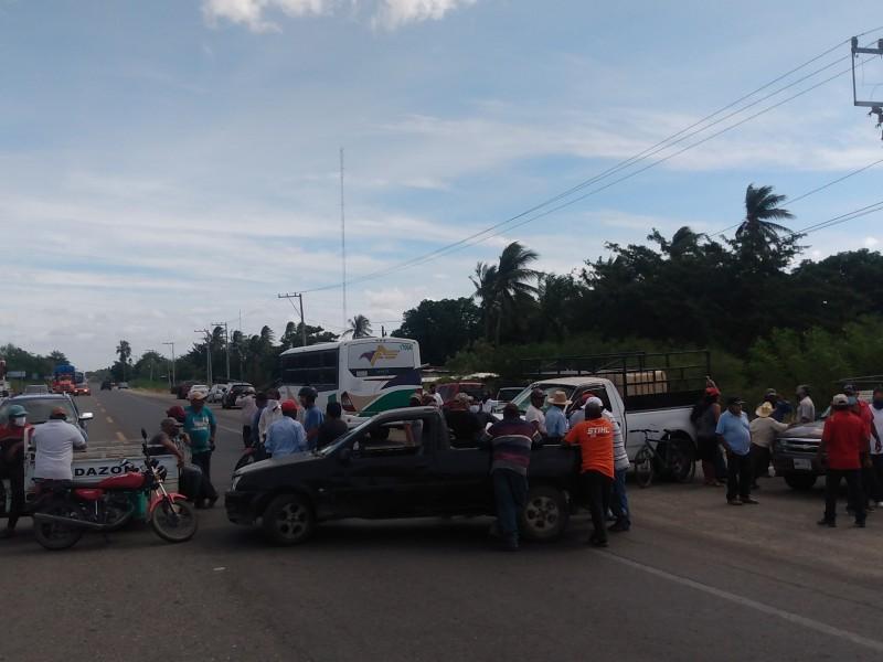 Campesinos paralizan el Istmo, exigen pago de siniestro 2019