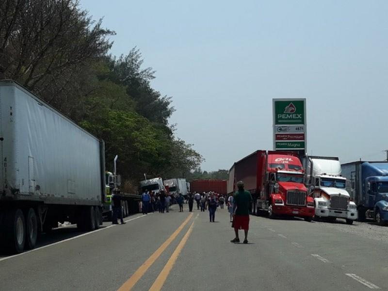 CANACINTRA reporta pérdidas por mil MDP por bloqueo