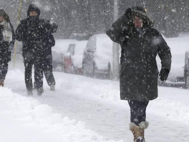 Cancelan vuelos por primera gran tormenta invernal EUA
