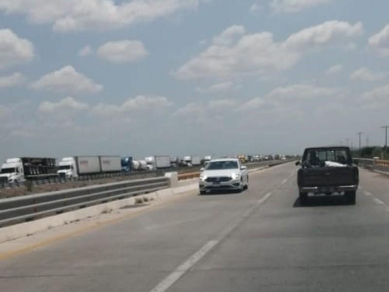 Caos en carreteras por bloqueos yaquis