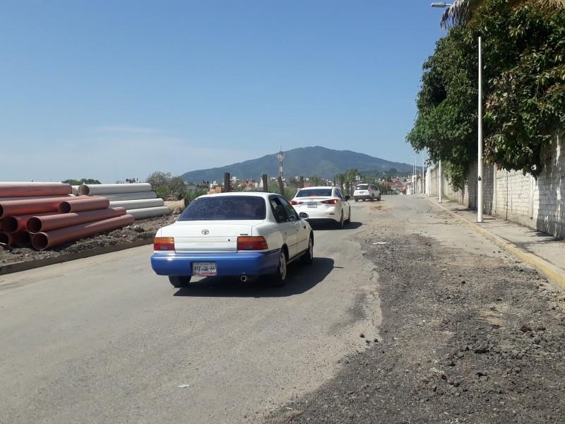 Caos vial por obra en avenida del sol