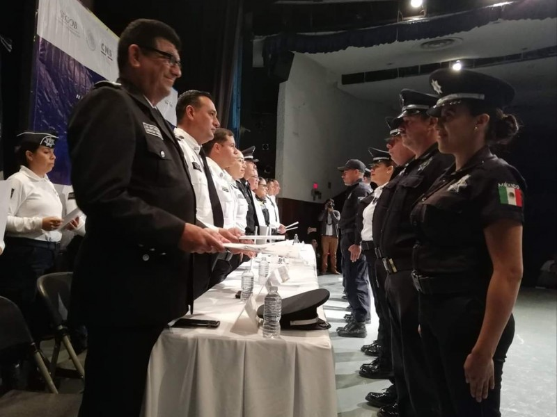 Capacitación y certificación de policías, prioridad para seguridad