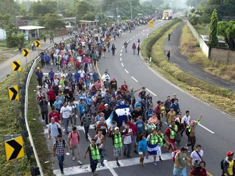 Caravana migrante avanza a Tapachula