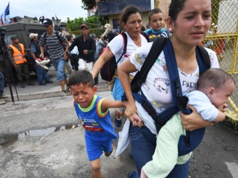 Caravana migrante avanza hacia Escuintla, Chiapas