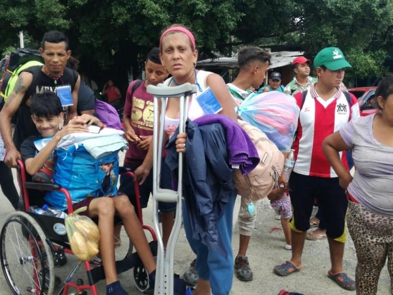 Caravana migrante se dirige a Acayucan, Veracruz