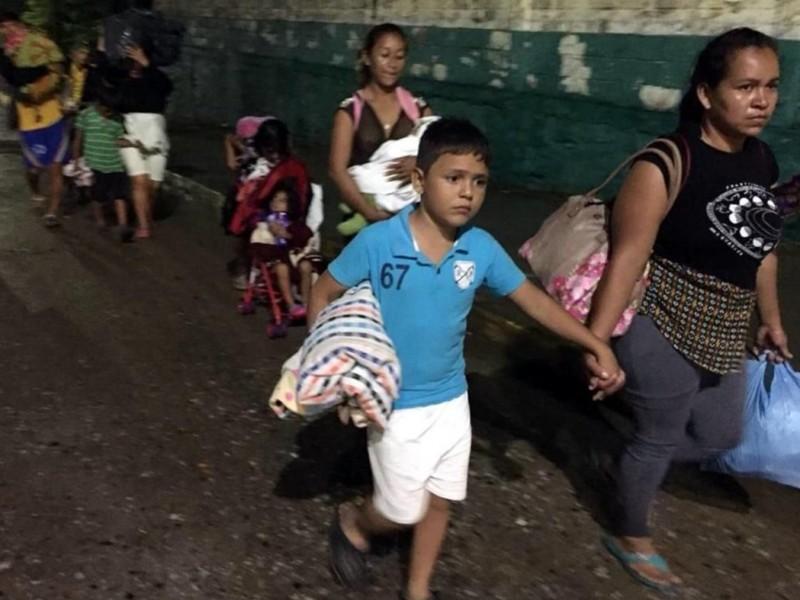 Caravana migrante en Oaxaca se queja de abandono