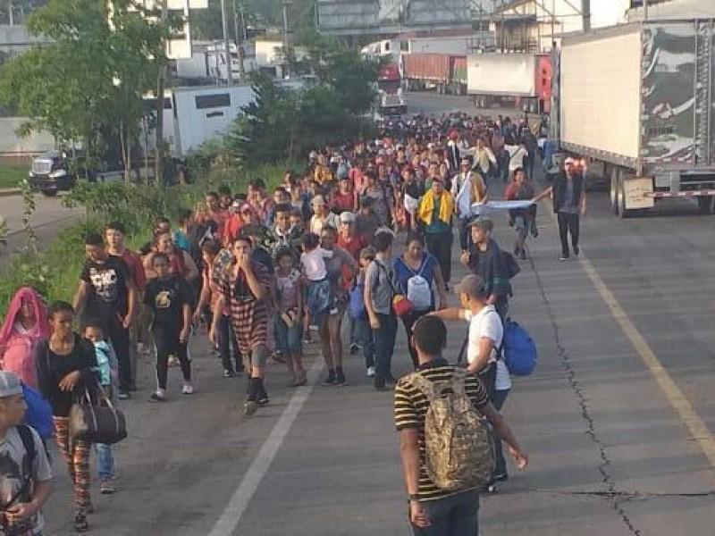Ingresa nueva caravana migrante.  Va a Tapachula