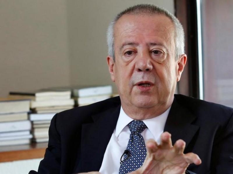 Urzúa renuncia a Hacienda; acusa imposición de funcionarios