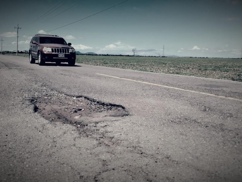 Carretera que conduce al Cerro Cabezón es un peligro