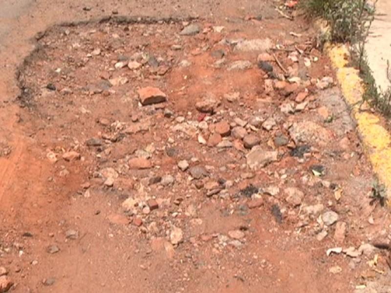 Casi 6 mil baches sin reparar en Zacatecas y Guadalupe