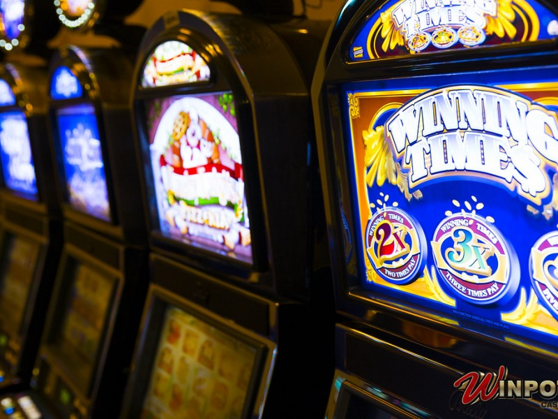 Casinos y cines operan al 50%