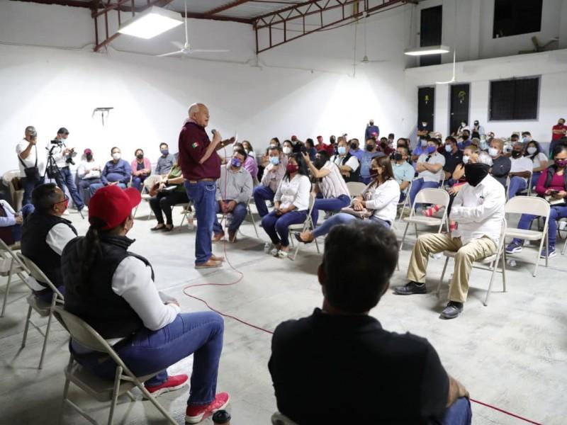 Castro Cosío anunció plan de regularización para maestros