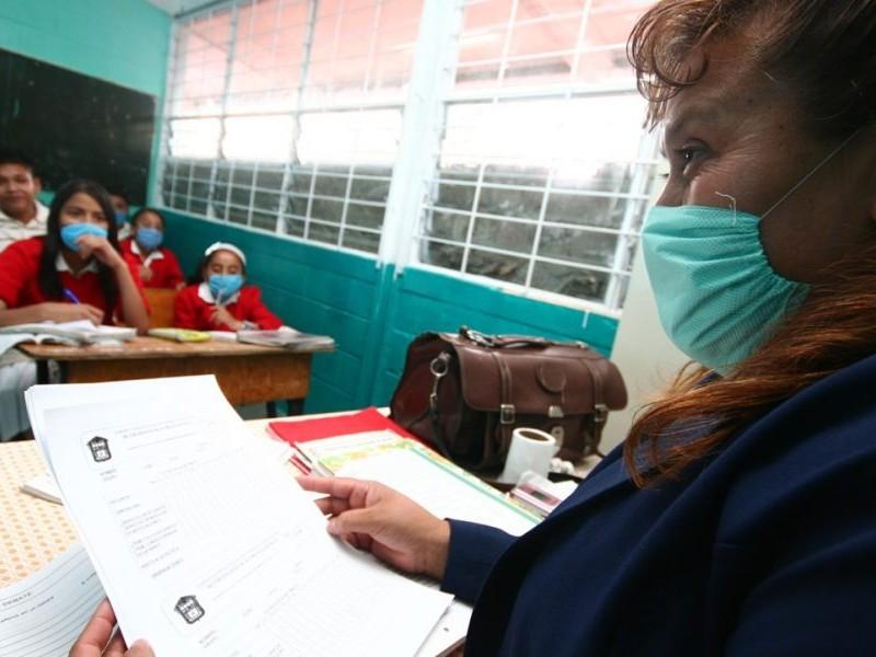 CDMX: Maestros serán vacunados en mayo