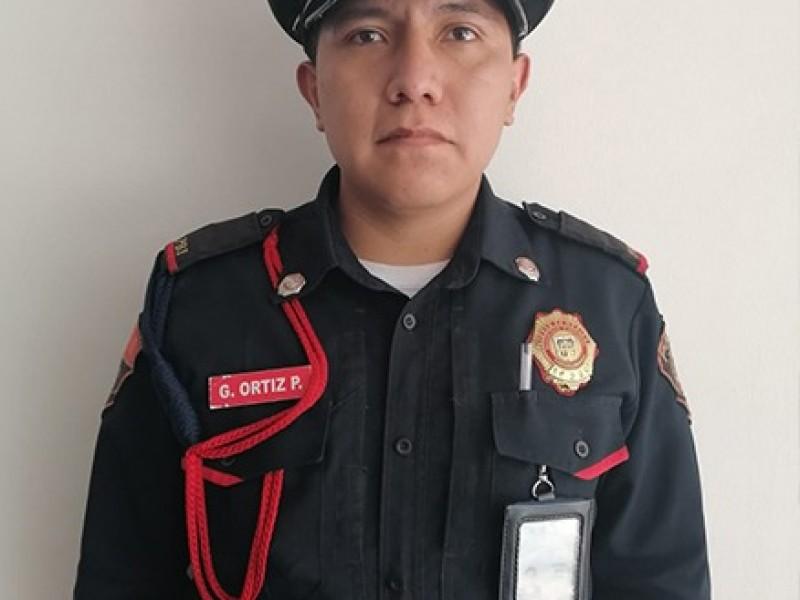 CdMx. Policía halla y devuelve nueve mil pesos