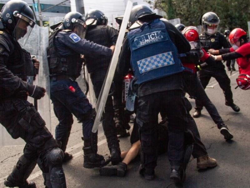 Con números visibles identificarán a policías durante manifestaciones en CDMX