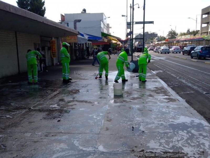 Cdmx y comerciantes sanitizan el Eje 1 Norte