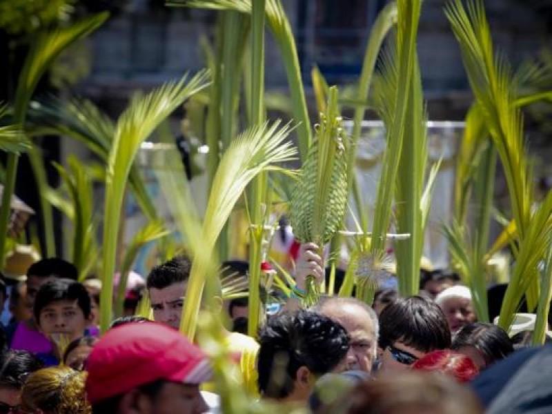 Celebra la iglesia el Domingo de Ramos