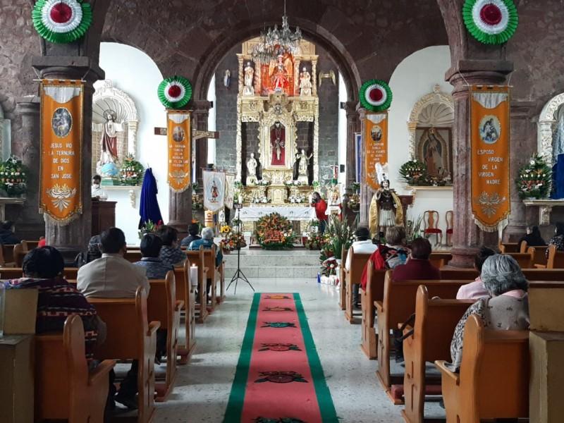 Celebran a San Miguel Arcángel desde un cerro