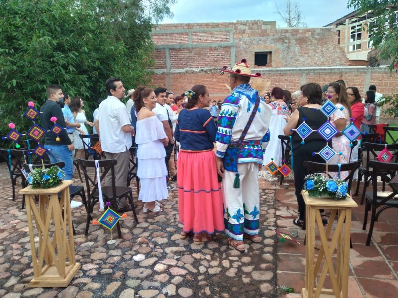 Celebran boda Wixarica en Zacatecas