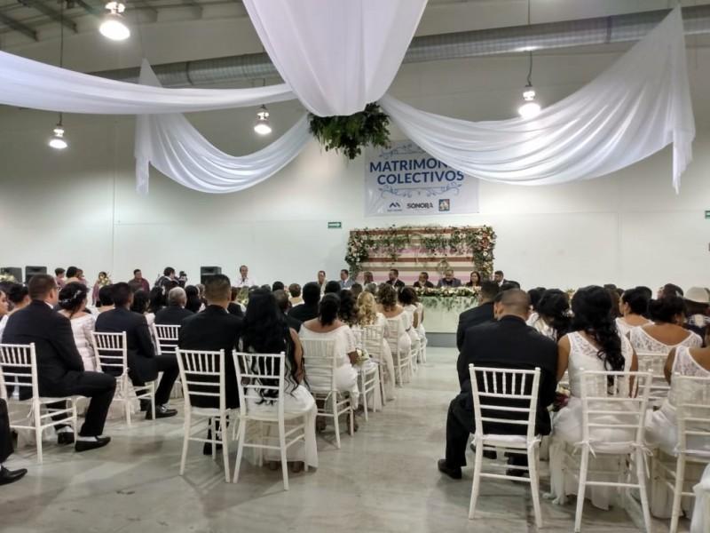Celebran bodas colectivas