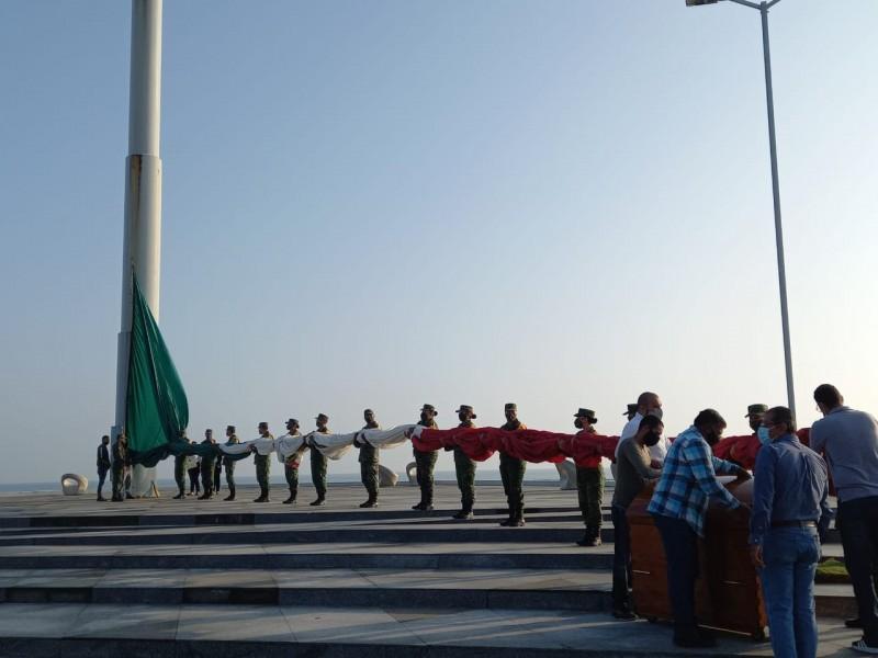 Celebran día de la bandera en Veracruz