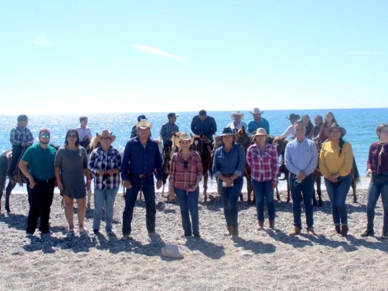Celebran Primera Cabalgata de la Hispanidad en San Carlos