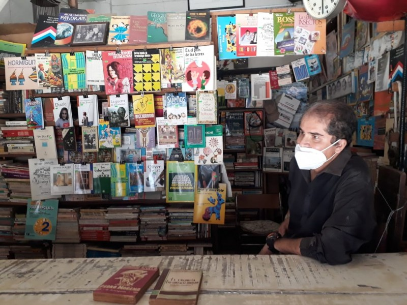 Centenaria librería nayarita exporta a continentes Europeo y Africano