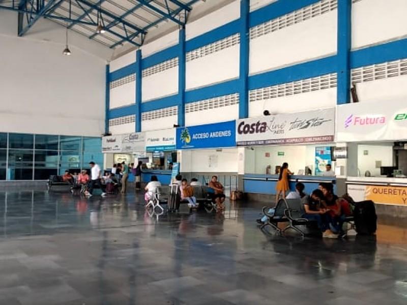 Central de autobuses luce sin filtros sanitarios pese a Covid-19