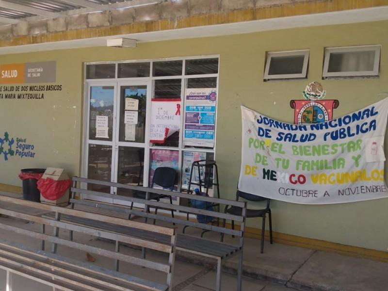 Centro de salud en Mixtequilla busca completar esquemas de vacunación