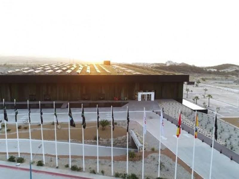 Centro Internacional de Convenciones continúa en el abandono