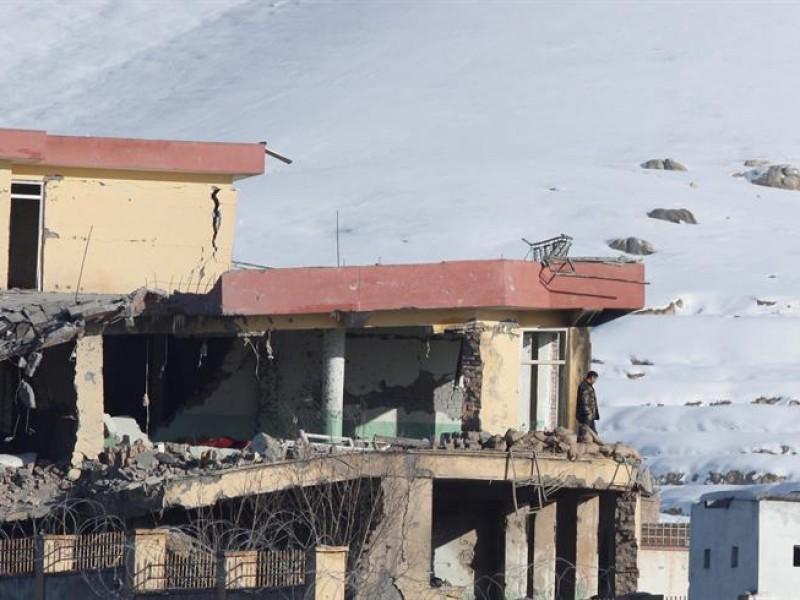 Cerca de 100 muertos en un ataque talibán