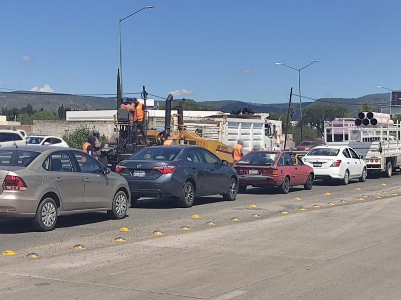 Cerca de dos horas tráfico en distribuidor vial Benito Juárez