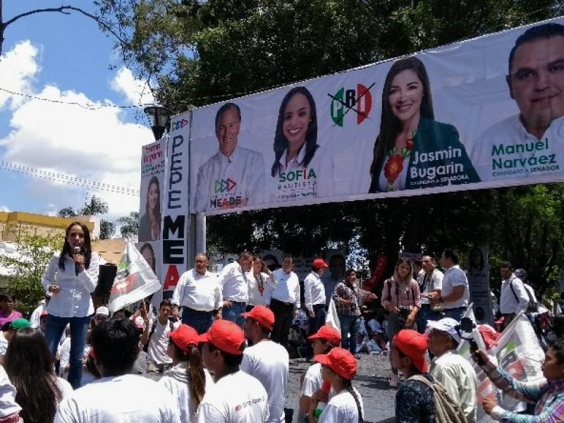 Cerró campaña en Tepic, Sofía Bautista