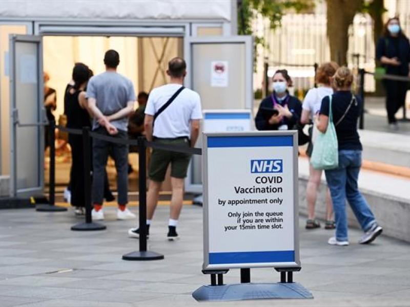 Certificados de vacunación para entrar a bares en Reino Unido