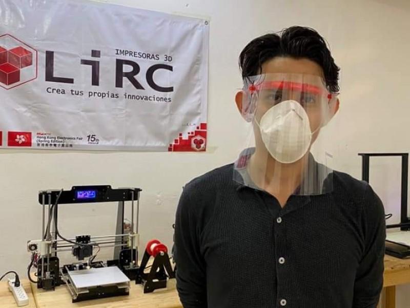 Chiapanecos emprendedores crean y donan máscaras para médicos