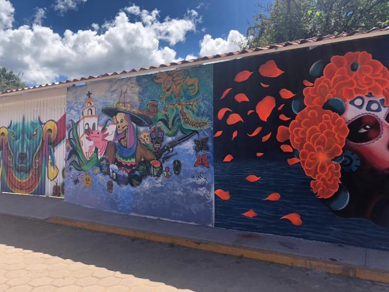Chignahuapan se viste de catrines con callejón de los murales