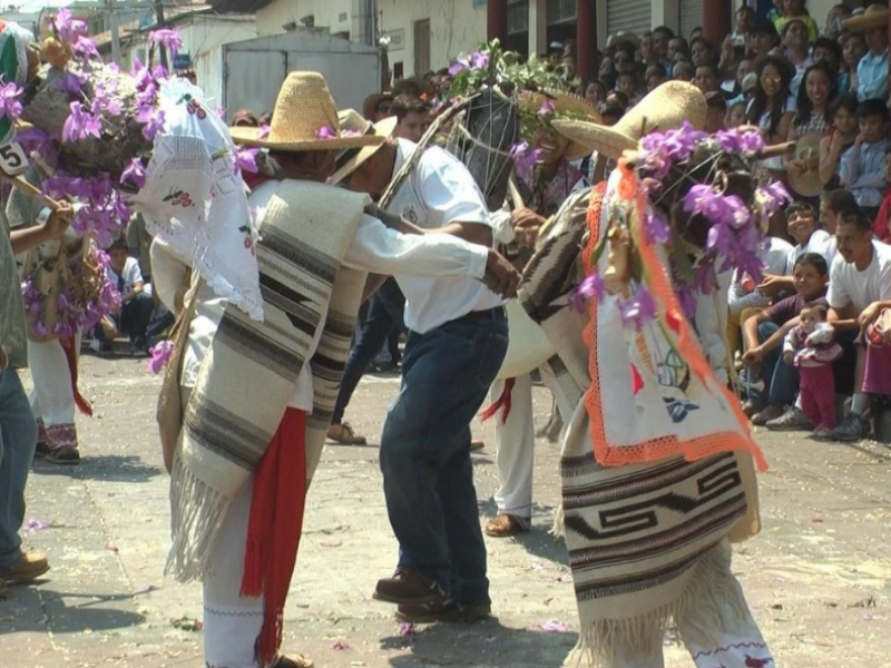 Chilchota se prepara para festividades del Corpus Christi