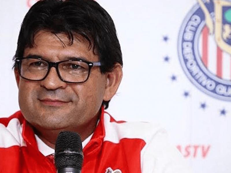 Chivas presenta a Cardozo como nuevo DT