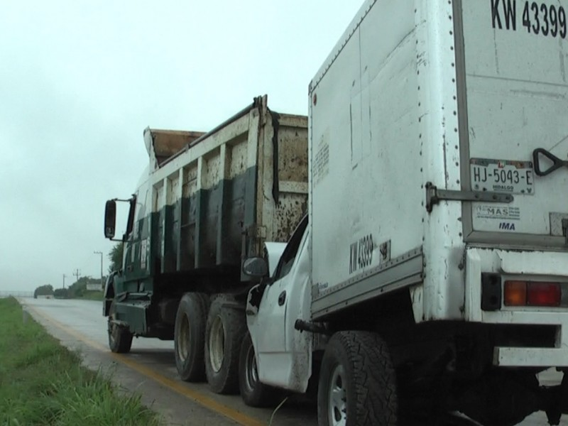 Choque sobre autopista Tuxpan-Poza Rica