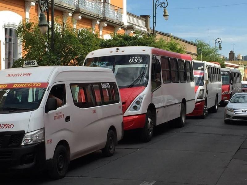 Choferes del transporte público niegan saturación de concesiones