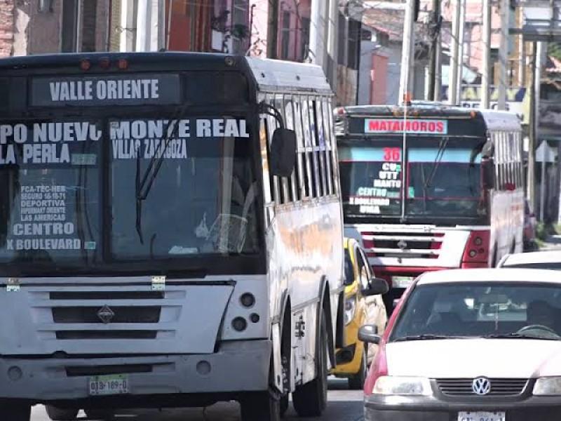 Chóferes no portan cubrebocas, denuncian usuarios en Torreón