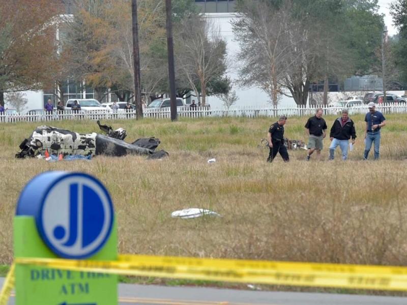 5 muertos por choque de avioneta en EU