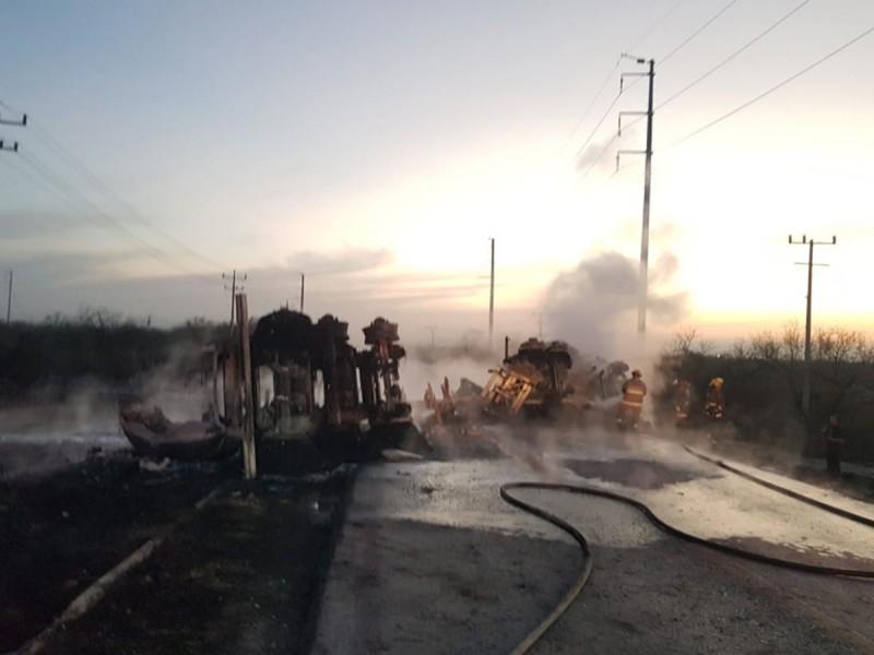 Choque de pipa en Nuevo León deja 12 muertos
