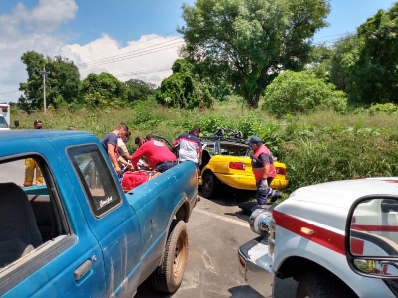Choque deja dos muertos en Zapotlanejo