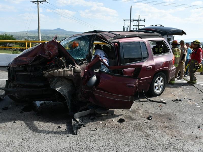 Choque en Zapotlanejo deja tres personas lesionadas