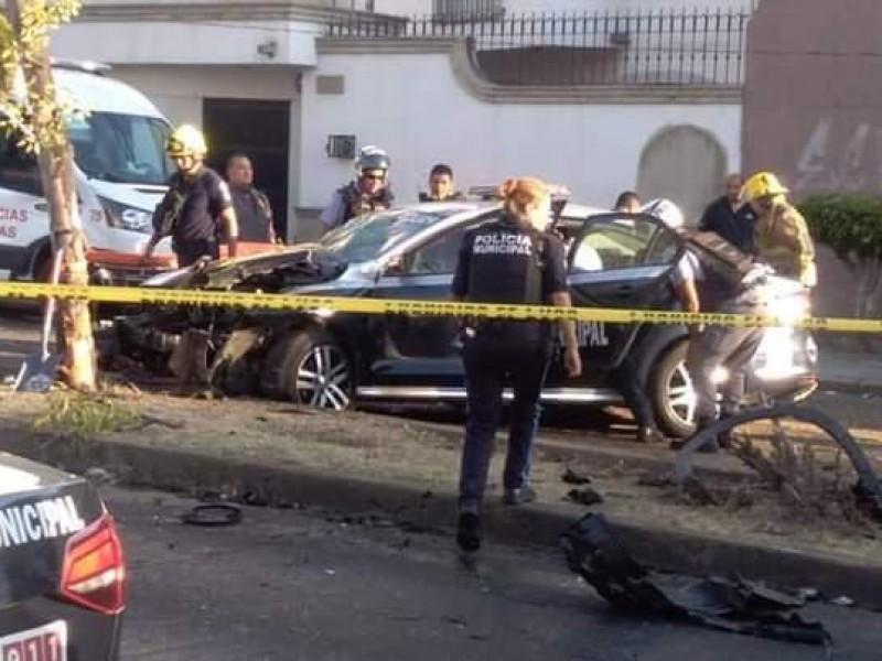 Choque entre patrulla y particular deja dos muertos