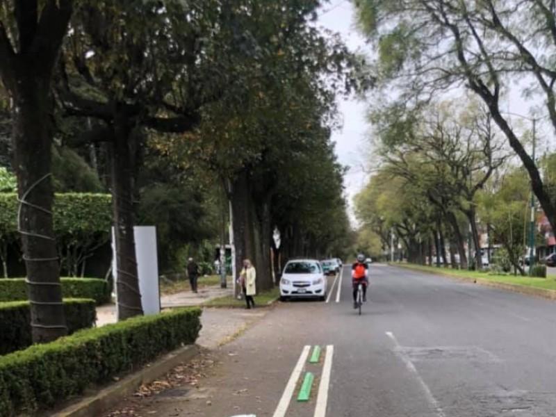 Ciclistas señalan fallas en la planeación de la ciclovía