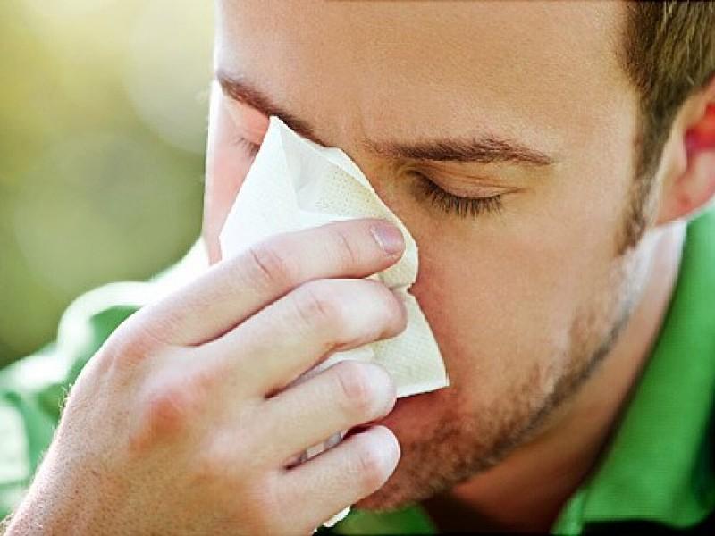 Científicos españoles identifican primeros síntomas del Covid-19