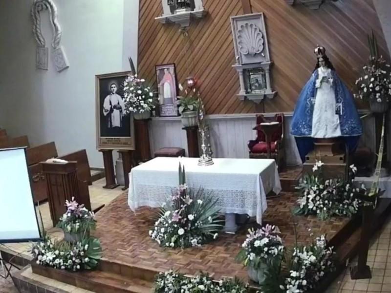 Cientos veneran imagen peregrina de Virgen de la Salud