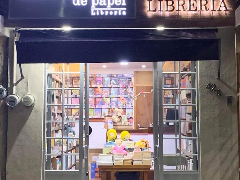 Cierra librería tepicense, remata libros por contingencia covid